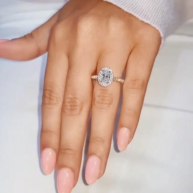 Ovale Schliff Weißer Saphir 925er Silber Sterling Gold Halo Verlobungsringe