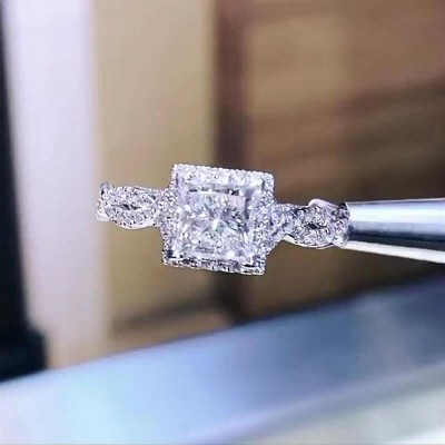 Prinzess Schliff Weißer Saphir 925 Sterling Silber Halo Unendlichkeit Verlobungsringe