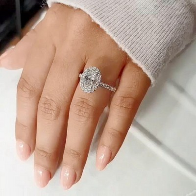 Ovale Schliff Weißer Saphir 925 Sterling Silber Halo Verlobungsringe