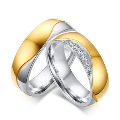 Runder Schliff Weißemer Saphir Gelbgold & Silber Titan Versprechen Paarringe