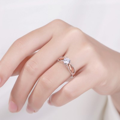Engelsflügel Rund Schnitt Weißer Saphir Roségold Sterling Silber Verlobungsring