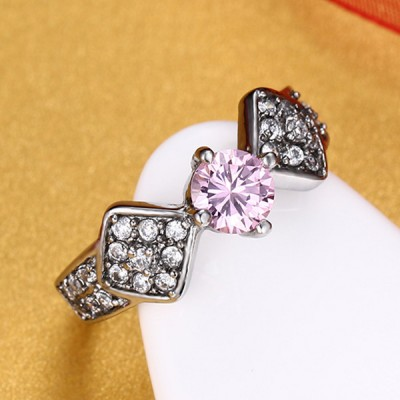 Runder Schnitt-Verlobungsring aus rosafarbenem Saphir-Silber-Titanstahl