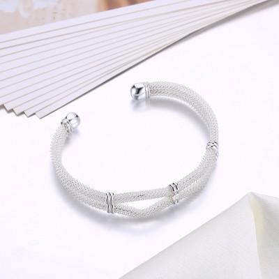 Schöne und elegante Silber Titan Armreifen