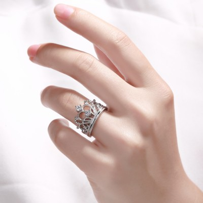 Crown Design Weißemer Saphir Sterling Silber Verlobungsringe