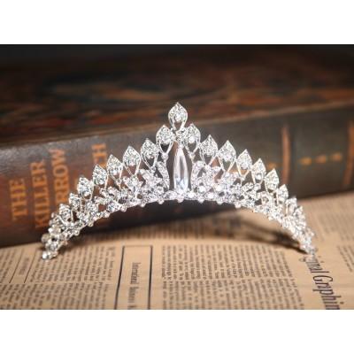 Elegante klare Kristalle die Kopfbedeckungen heiraten
